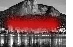 Projeto Lygia Pape | Obras | Anos 00 Manto Tupinambá 2000 Fog de sinalização sobre a Lagoa Rodrigo de Freitas, Rio de Janeiro, Brazil Dimensões variadas