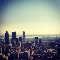 Montréal, vista des de Mont Royal, la ciutat més increible on he estat de moment.Amb natura, grans edificis i una multiculturalitat impressionant! Una ciutat per aprendre i per tornar-hi amb els ulls tancats. #love #montreal