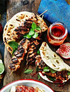 Moroccan chicken flatbreads - Delicious marinated chicken spiked with ras el hanout Dinner recipes Food deserts Delicious Yummy Moroccan Chicken, Cooking Recipes, Healthy Recipes, Easy Recipes, Cooking Ham, Cooking Ribs, Uk Recipes, Vegetarian Recipes, Food Inspiration