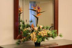 和テイスト造花装飾 シンピジュウム・松・ストレリチア
