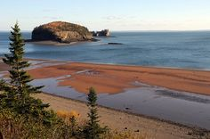 Bay of Fundy from Joggins Fossil Cliffs - Nova Scotia, Canada. Highest tidal changes in the entire world! East Coast Travel, East Coast Road Trip, Nova Scotia Travel, Ontario, Atlantic Canada, Destinations, Kayak, Thinking Day, Prince Edward Island