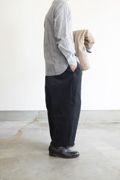 Sport Fashion, Men's Fashion, Minimal Outfit, Comme Des Garcons, Men's Style, Streetwear, Trousers, Normcore, Hipster