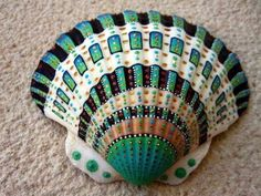 Tumbler Home Polished Sea Shells – Sizes to - Approx. 20 Beach Shells in Mixed Colors – Lb Nautical Beach Décor - The Crafts Guide Seashell Painting, Seashell Art, Seashell Crafts, Beach Crafts, Stone Painting, Diy Crafts, Ribbon Crafts, Handmade Crafts, Sewing Crafts