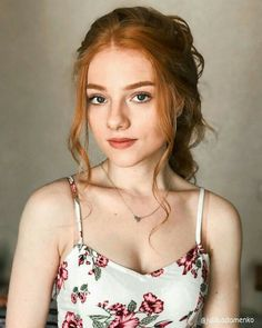 Schöne Julia Adamenko Ginger Haare - Back Beautiful Red Hair, Gorgeous Redhead, Girls With Red Hair, Ginger Girls, Ginger Hair Girl, Female Character Inspiration, Redhead Girl, Redhead Fashion, Brunette Girl