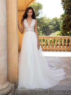 Pronovias Fashion ESPIGA Mockingbird Bridal Dallas TX, Bridal Gowns Bridesmaids Wedding Dresses Dallas Texas Source by dress Tulle Wedding, Wedding Bridesmaids, Wedding Gowns, Bridal Looks, Bridal Style, Rembo Styling, Pronovias Wedding Dress, Estilo Boho, Bridal Boutique