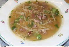 Vývar s uzeným masem, nudlemi a jarní cibulkou Thai Red Curry, Soup, Ethnic Recipes, Soups
