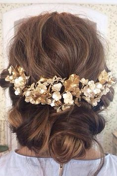 Gorgeous casual updo with flowers