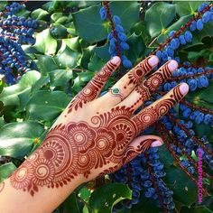 50 Most Beautiful Looking Raksha Bandhan Mehndi Design (Raksha Bandhan Henna Design) that you will love to try on Raksha Bandhan. Henna Hand Designs, Dulhan Mehndi Designs, Mehandi Designs, Mehndi Designs Finger, Khafif Mehndi Design, Mehndi Designs Feet, Latest Bridal Mehndi Designs, Mehndi Designs Book, Mehndi Designs For Beginners