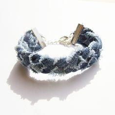 "Bracelet ""Jane"", jean, tissus beige, chaîne, perles"