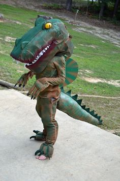 DIY, Homemade, Foam, Dinosaur Costume for Halloween Costume Halloween, Halloween Lego, T Rex Costume, Halloween Outfits, Make A Dinosaur, The Good Dinosaur, Dinosaur Halloween Costume, Dino Kids, Super Hero Costumes
