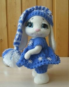 Mesmerizing Crochet an Amigurumi Rabbit Ideas. Lovely Crochet an Amigurumi Rabbit Ideas. Crochet Animal Patterns, Stuffed Animal Patterns, Amigurumi Patterns, Amigurumi Doll, Knitting Patterns, Easter Crochet, Crochet Crafts, Crochet Dolls, Crochet Projects