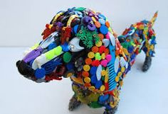 Don't throw those old toys away! You could do something else with them like make one of these amazing sculptures of dogs made from recycled plastic toys. Recycled Toys, Recycled Crafts, Recycled Materials, Diy Crafts, Adam And Eve Products, Toys R Us Song, Plastic Art, Plastic Recycling, Popular Toys