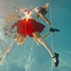 pedalfar: Sailor Mars - Projects - Conceptual and Fashion Underwater Photography Human Poses Reference, Pose Reference Photo, Underwater Photos, Underwater Photography, Poses References, Art Poses, Body Poses, Foto Art, Action Poses