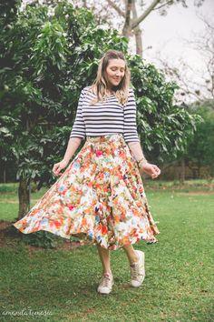 saia midi com tenis_ saia midi floral_ mistura de estampas_ como usar saia midi_ danigarlet (5)