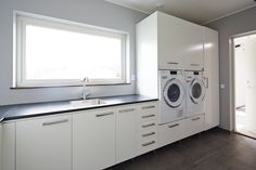 Laundry - raised washing machine and dryer Home Interior, Interior Design Living Room, Living Room Designs, Laundry Room Cabinets, Laundry Room Storage, Küchen Design, House Design, Modern Laundry Rooms, Laundry Room Inspiration