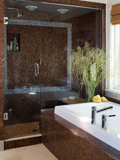 Contemporary blue & brown bathroom for-the-home Blue Brown Bathroom, Ideas Hogar, Glass Shower, Big Shower, Shower Tiles, Shower Door, Shower Tub, Bathroom Colors, Bathroom Designs
