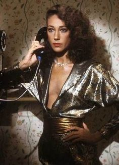 Marisa Berenson silver lame batwing dress - look a her bare breast! No push up, no tapes, no cleavage at all. But a very beautiful natural woman and in that time seen exactly as this! Disco Fashion, 70s Fashion, Fashion History, Vintage Fashion, Studio 54 Fashion, Nineties Fashion, London Fashion, Fashion Ideas, Womens Fashion