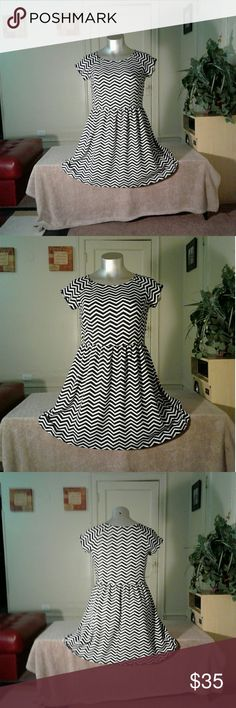 AGB Black White Zig Zag Designed Midi Dress Dress Dresses Midi