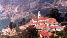 Cerro de Monserrate - Con 3152 m de altura este cerro es uno de los sitios turísticos insignia de la ciudad de Bogotá, cientos de visitantes suben hasta el punto más alto para disfrutar de la impresionante vista de la capital Colombiana.