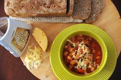 BaBy w kuchni: Zupa fasolowa wg Piotra Kucharskiego
