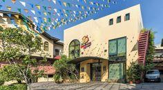The Mabuhay Manor Hotel  The Mabuhay Manor Hotel en Manila (Filipinas)  Hotel Ranking : 7.6  El The Mabuhay Manor Hotel es una eleccin popular entre los viajeros en Manila ya sea que se encuentren de paso o deseen recorrerla. El hotel ofrece una amplia gama de servicios y comodidades pensados para brindar confort a sus huspedes. En el hotel encontrars Wi-Fi gratis en las habitaciones limpieza diaria adaptado para silla de ruedas servicio de recepcin 24h servicio de habitaciones 24h. Todas…