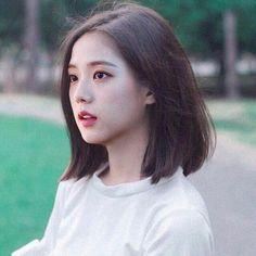 look how beautiful my baby is. a literal goddess. Blackpink Jisoo, Kpop Girl Groups, Korean Girl Groups, Kpop Girls, Black Pink ジス, Korea Makeup, Blackpink Photos, Blackpink Fashion, Jennie Blackpink