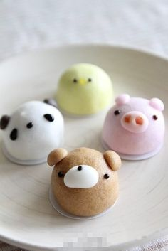 Cutest little cakes I've ever seen!!