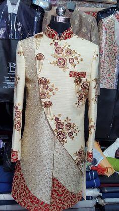 new dual pattern cross pattern red and white indowestern sherwani Blazer For Men Wedding, Sherwani For Men Wedding, Wedding Dresses Men Indian, Sherwani Groom, Mens Sherwani, Indian Wedding Wear, Wedding Dress Men, Designer Kurtis, Indian Men Fashion