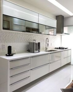 How to decorate the kitchen wall? One of the beneficial we can do is applying kitchen wallpaper. With this article will give some kitchen wallpaper ideas. Kitchen Room Design, Kitchen Cabinet Design, Modern Kitchen Design, Kitchen Layout, Home Decor Kitchen, Interior Design Kitchen, Home Kitchens, Kitchen Items, Modern Kitchen Interiors