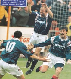 Brian laudrup, Charlie miller and Gordon durie 9 in a row goal celebration