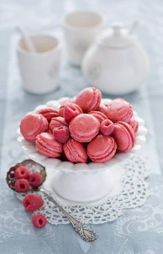 Pink macaroons and raspberries #girly #pink For guide + advice on lifestyle, visit www.thatdiary.com