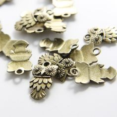 20pcs Antique Brass Tone Base Metal Charms-Owl 20x12mm (1532X-D-333B). $2.45, via Etsy.