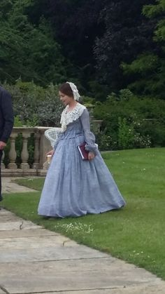 Jenna Coleman bts on series 3 of Victoria