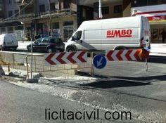 Señalización, desvíos de tráfico en Camino de Ronda. Metro Granada.