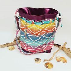 Kréaméline sur Instagram: Un de mes patrons préféré!😍 Le Calypso de chez sacôtin. Un sac seau de belle contenance que l'on peut porter autant en sac épaule qu'en…