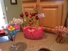 Simple / Inexpensive Jungle Baby Shower