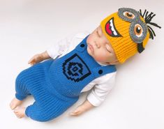 70 ideas for baby clothes boy crochet diaper covers Cool Baby Clothes, Handmade Baby Clothes, Cute Baby Shoes, Minion Baby, Girl Minion, Newborn Outfits, Baby Boy Outfits, Bernat Baby Yarn, Crochet Baby Costumes