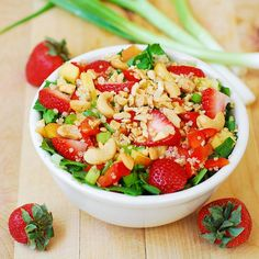 Strawberry, quinoa, spinach and cashew salad with a homemade honey-mustard balsamic vinegar dressing. It's a delicious Summer salad, made with healthy, clean, whole food ingredients! Check healthy recipes here: http://cdiabetes.com/category/healthy-recipes/