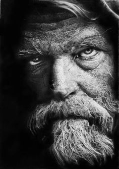 Italian artist Franco Clun likes to draw with mechanical and watercolor pencils on Fabriano Acquarello paper. He spends many hours perfecting each portrait, which could take up to 30 to 70 hours.