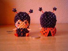 Made with small paper triangles Hecho con pequeños triangulos de papel