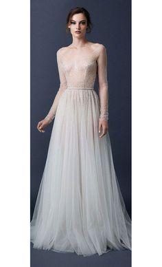 Une robe de mariée ornée