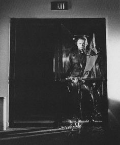 Halloween 2 1981, Halloween Film, Halloween Series, Classic Horror Movies, Horror Films, John Carpenter Halloween, Slasher Movies, Macabre Art, Famous Monsters