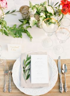 Pretty table decor: http://www.stylemepretty.com/2014/10/14/soft-romantic-summer-winery-wedding/ | Photography: KT Merry - http://www.ktmerry.com/