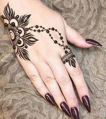 42 beautiful henna tattoo designs for women to try out - Henna Tattoo - Henna Designs Hand Henna Finger Tattoo, Fingers Tattoo, Tattoo Henna, Hand Tattoo, Mandala Tattoo, Ring Tattoos, Art Tattoos, Henna Tattoo Designs, Simple Mehndi Designs