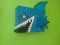 žralok z krabice