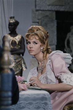 Michèle Mercier as Angelique