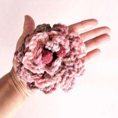 Broche Flamenco romántico rosa-gris / Pipocass - Artesanio