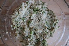 Haferflocken-Frikadellen vegan – einfaches Rezept mit wenig Zutaten Feta, Grains, Dairy, Food And Drink, Rice, Cheese, Oats Recipes, Hamburger Patties, Vegetarian Recipes