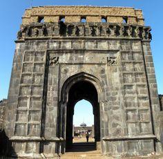 Raigad Fort, Mahad, Raigad district, Maharastra, India. Raigad Fort, Buddhist Stupa, Bodh Gaya, Walter Mitty, Madhya Pradesh, Largest Countries, Travel Plan, Famous Places, Varanasi