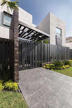 palissade-exterieure-bois-design-moderne-facade-pierre